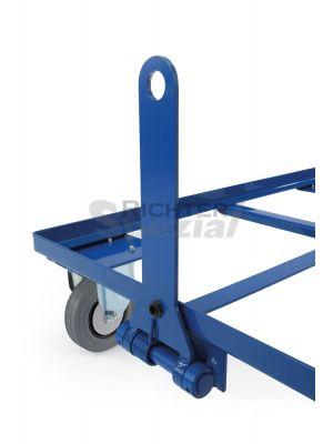 federgestützte Deichsel für Palettenfahrgestelle, dabei werden 2 Lenkrollen in Bockrollen getauscht