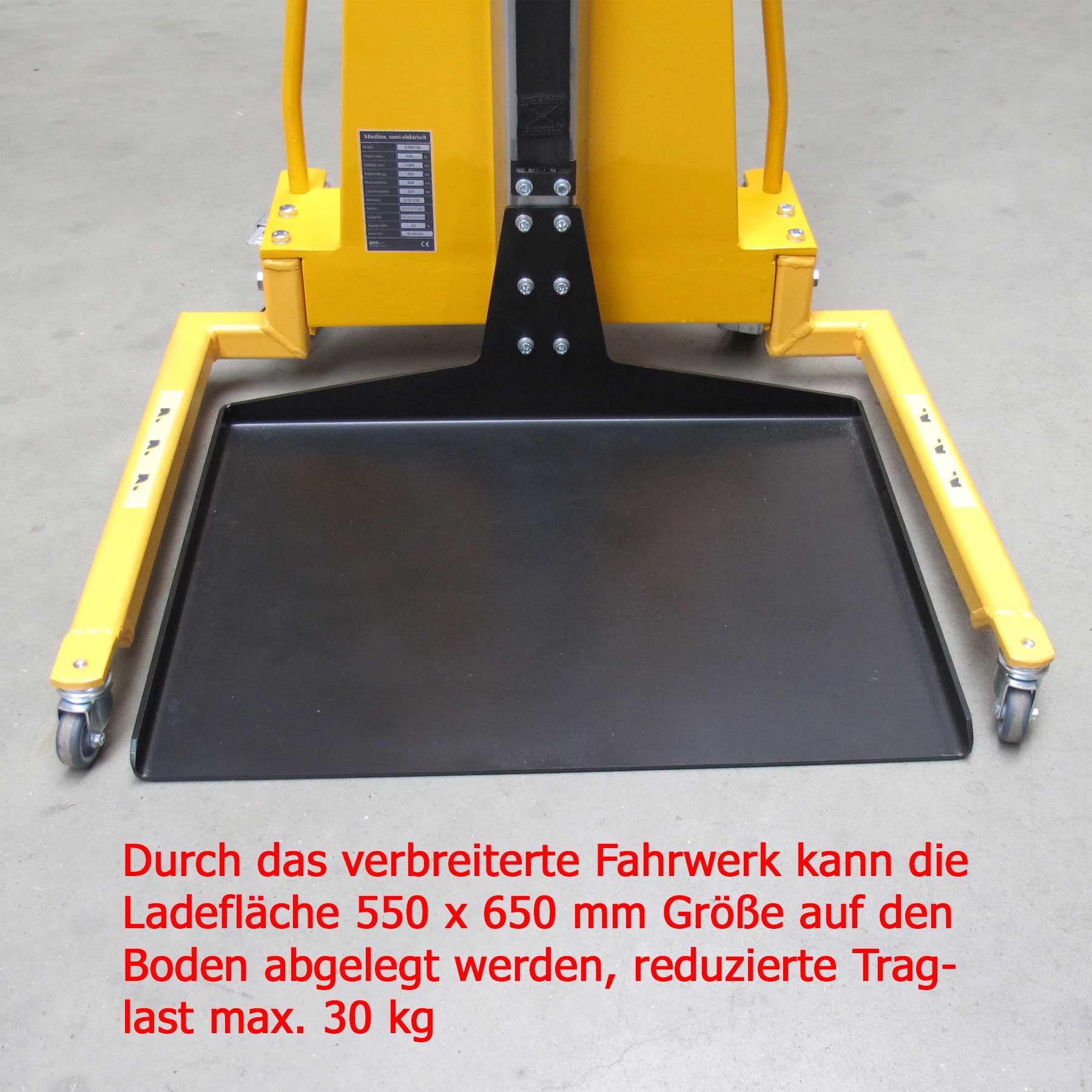 Elektrischer Minilifter mit Breitspurfahrwerk und flach auf dem Boden liegender Plattform 550 mm x 650 mm bei Traglast 30 kg