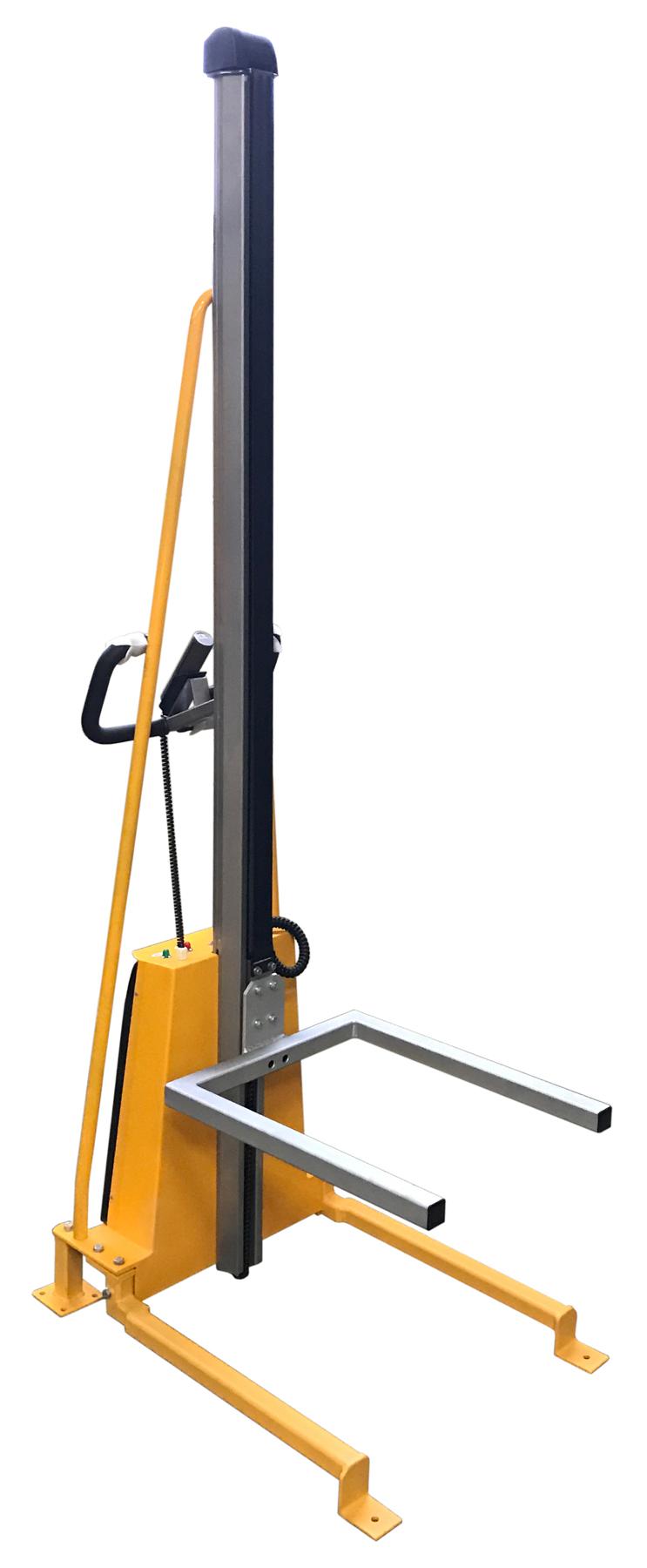 Elektro-Lifter im stationären Einsatz mit 2 Metern Hubhöhe #4597