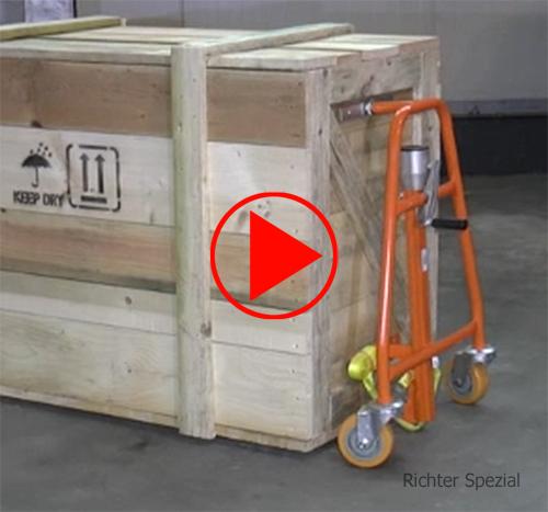 Video zur Veranschaulichung des Ladevorgangs beim einfach zu bedienenden Möbelhubroller, beachten Sie auch die leichte Verfahrbarkeit